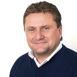 Jon Walter Pedersen är både Sportchef & VD, Åbytravet